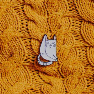 przypinka-kot-pokazujący-tyłek