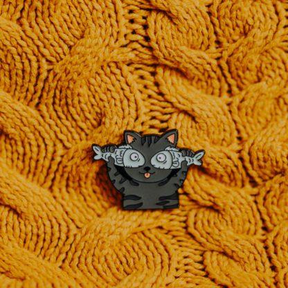 przypinka-kot-z-rybami